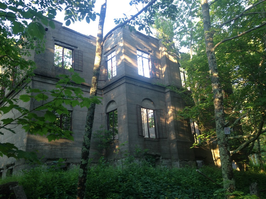 © J.N. Urbanski The ruins of the Overlook Mountain House